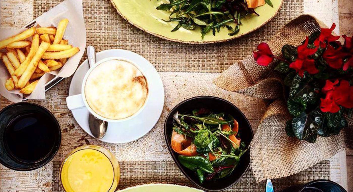 Margi_0001_Patio Dining