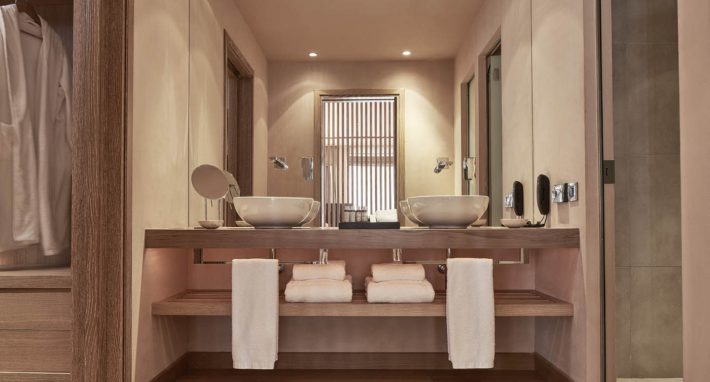 Grand Terrace Suite (2)